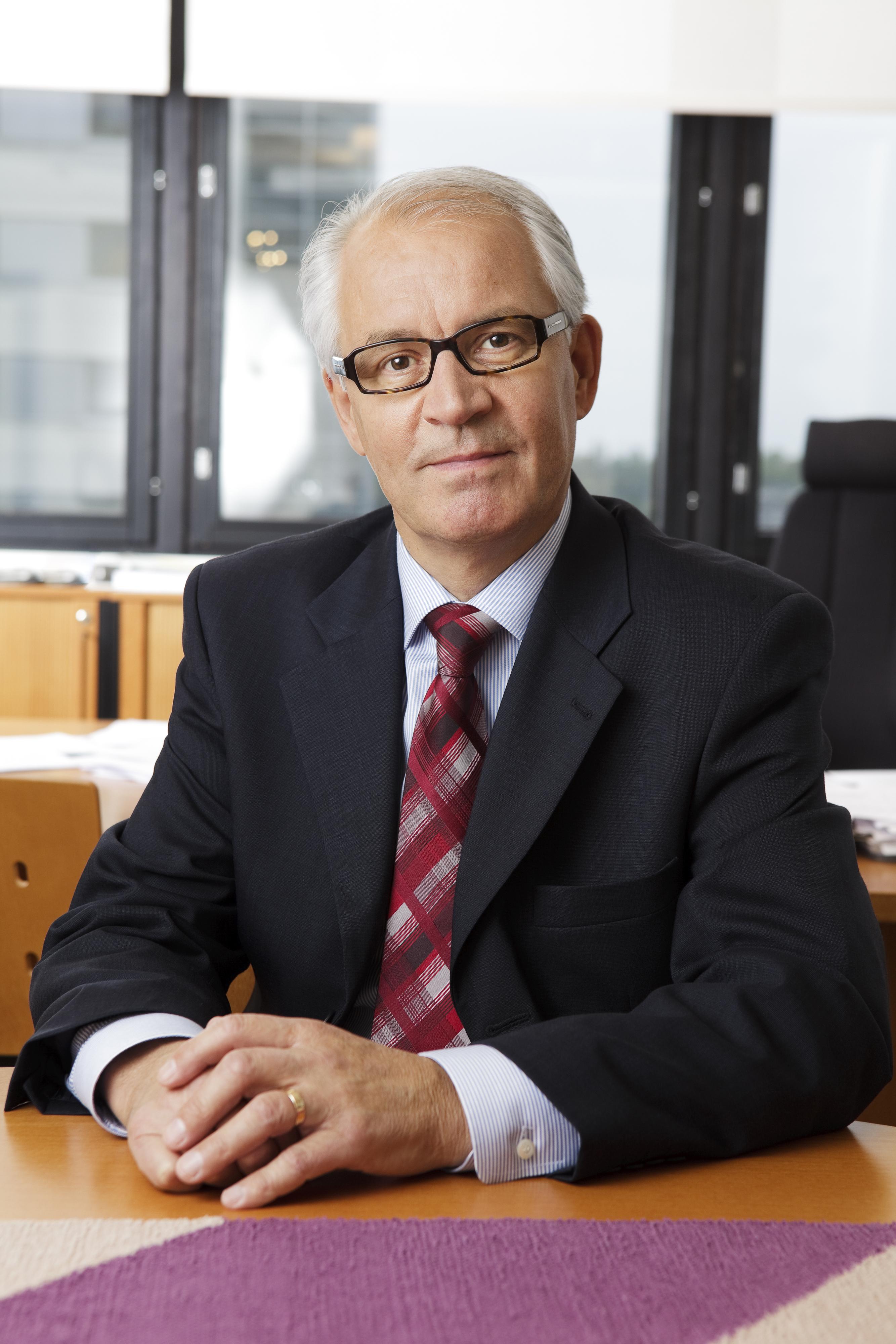 SuPerin kunniapuheenjohtajaksi Juhani Palomäki