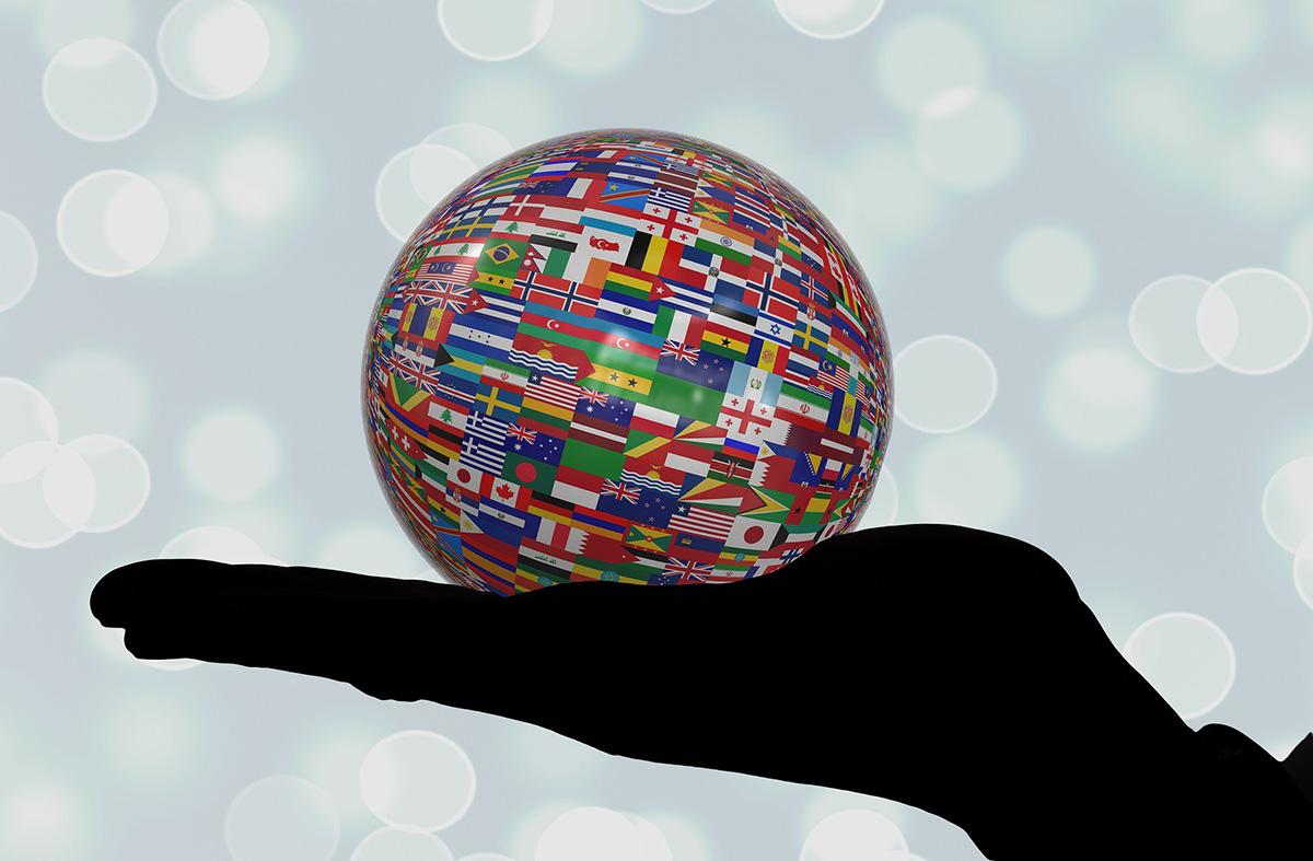 Maapallo, jossa lippuja