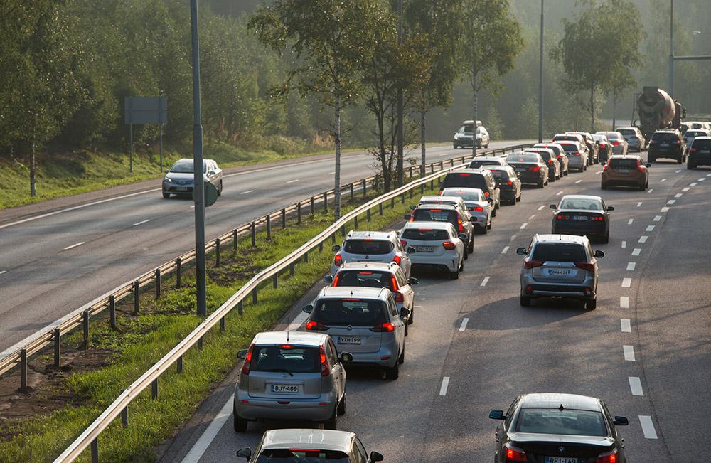 autot kuormittavat ilmastoa